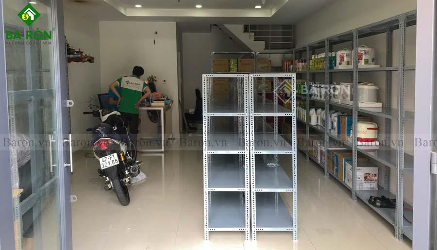 Kệ sắt v lỗ Biên Hòa bán tạp hóa